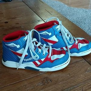 Captain America Reebok youth shoes size 13